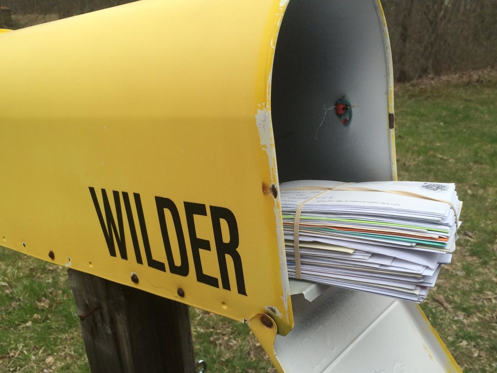 Picture of envelopes in mailbox from receiving Samaritan shares